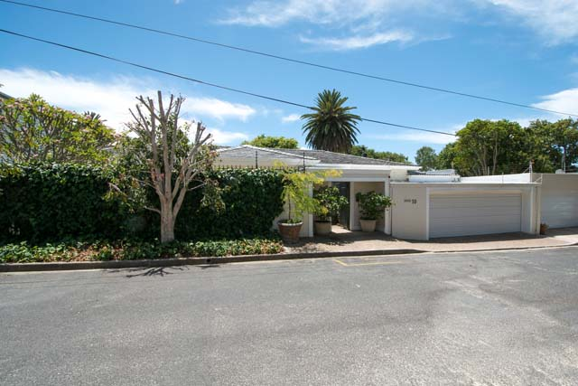 IMMACULATE GEM IN THE HEART OF SOUGHT AFTER NEWLANDS VILLAGE