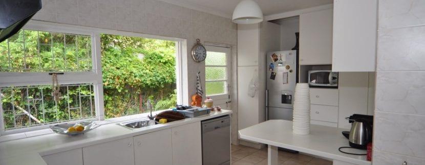 2116227_Kitchen_7