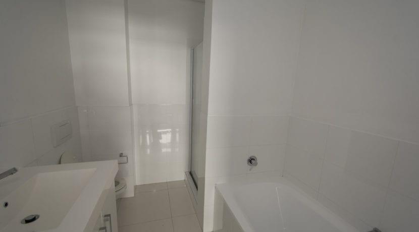 6000 bathroom