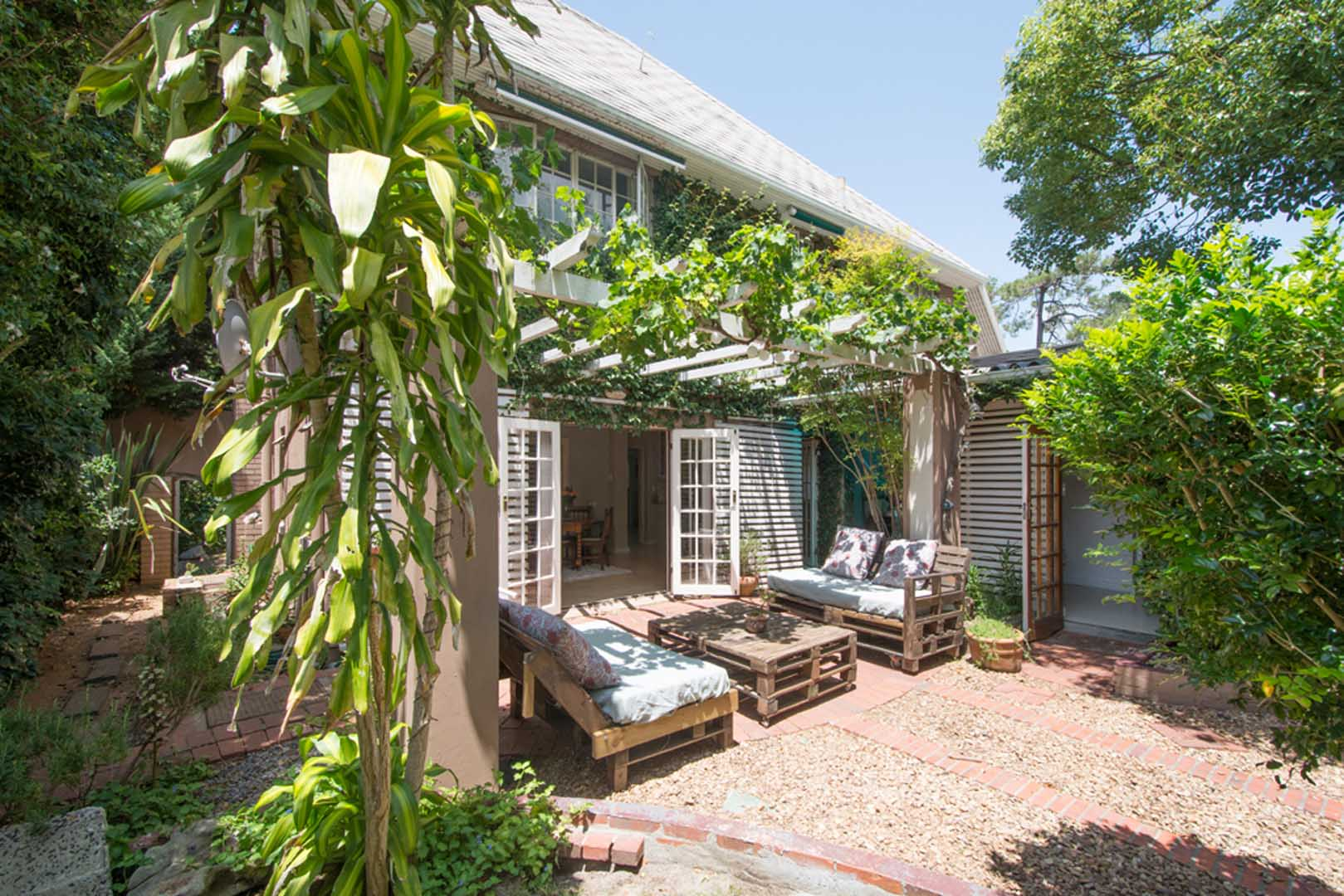 IS THIS THE BEST BUY ON THE MARKET IN NEWLANDS TODAY?
