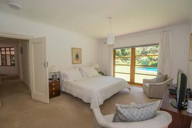 Main-Bedroom7