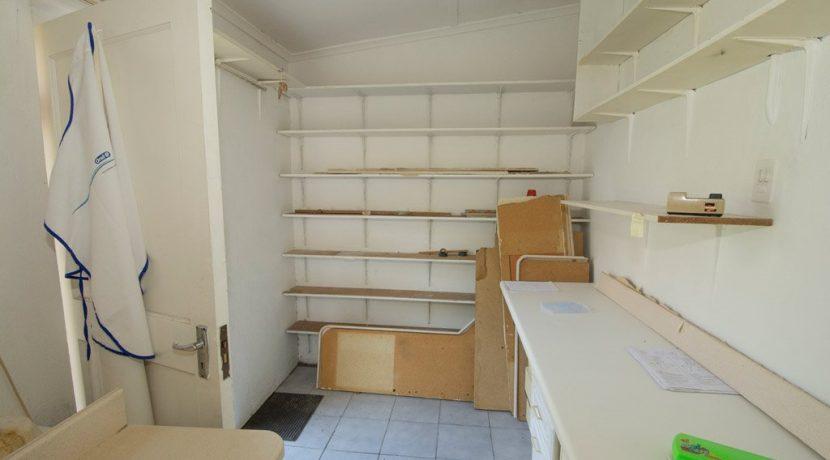 1829794_garage storage or staff_23