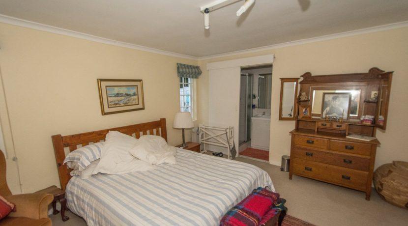 2001175_Guest bedroom_10