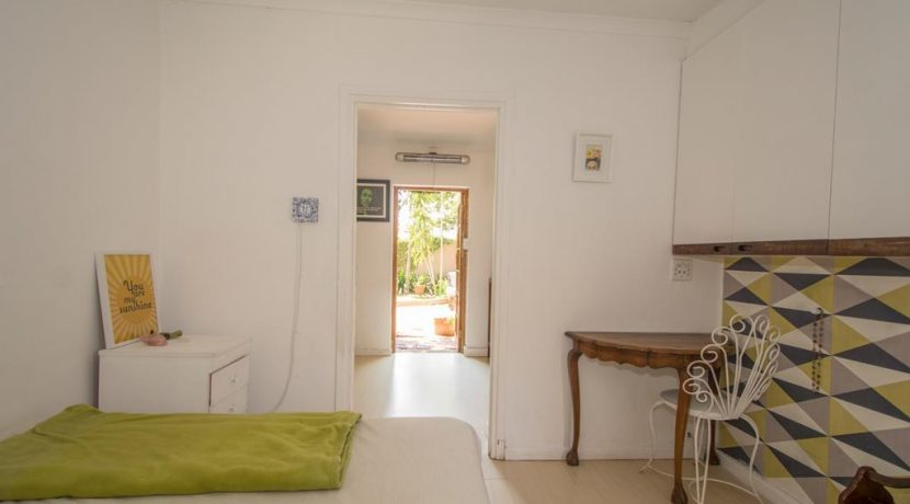 2027705_Guest bedroom towards garden_9