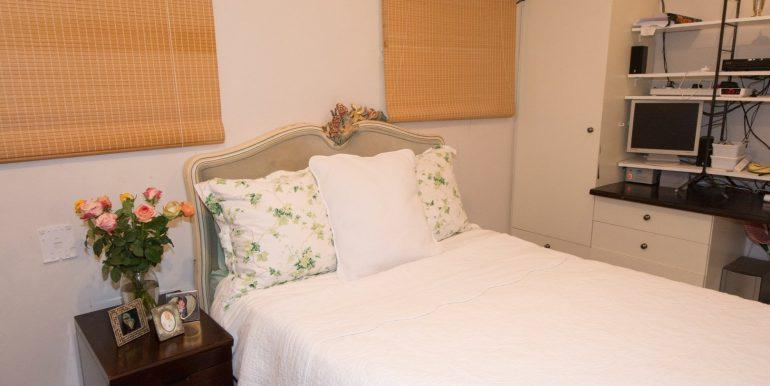 2170302_4th bedroom en-suite downstairs_6