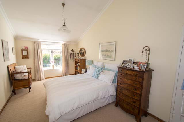 320 main bedroom