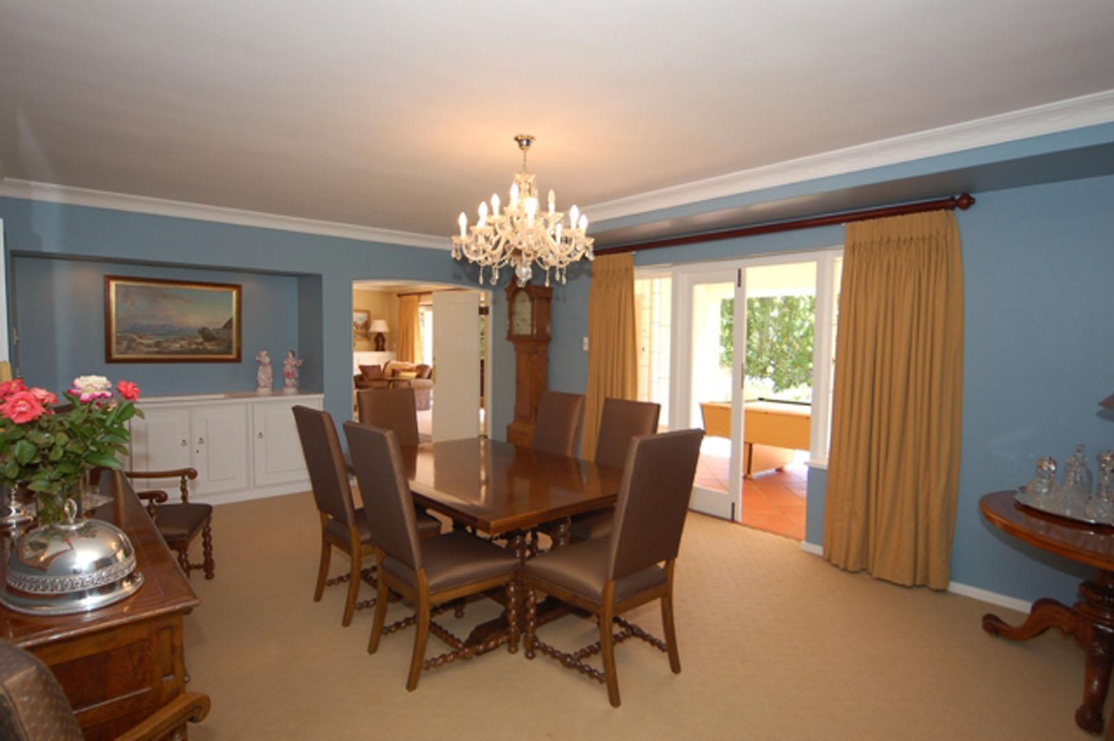 DSC_2316.dining room