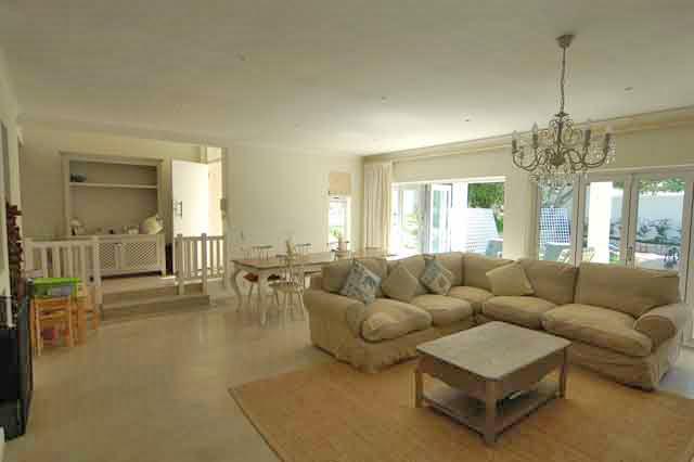 DSC_8989---living-room