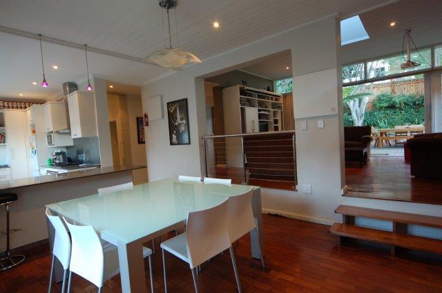 Ddingin room kitchenSC_0078