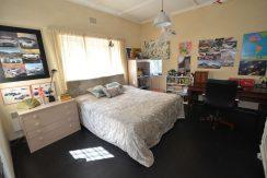 bedroom 3 DSC_2043 (2)
