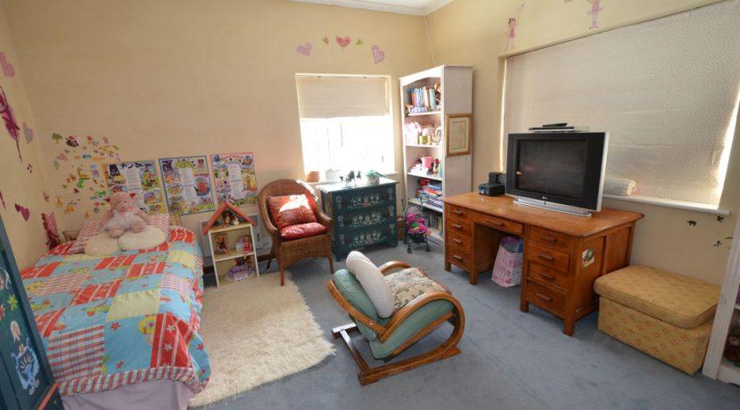 bedroom2 DSC_2037 (2)