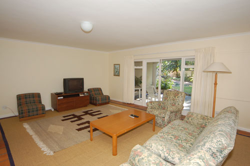 downstairs-pool-room