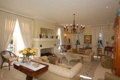 lounge to eastDSC_2021