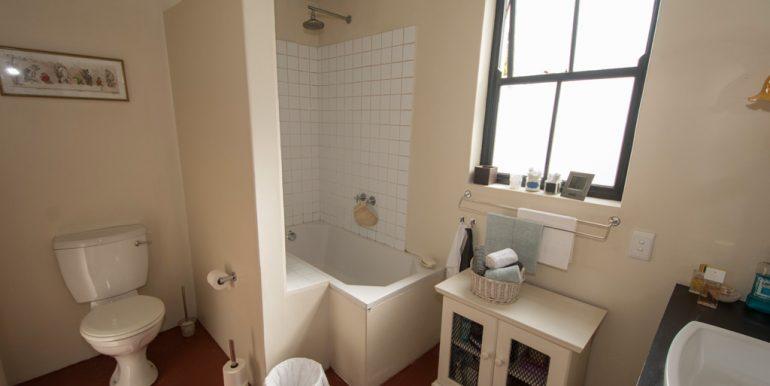 Bathroom 0540