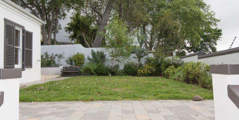 garden 1353