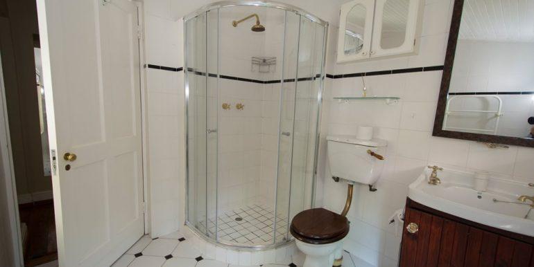 1939205_Bathroom two_2