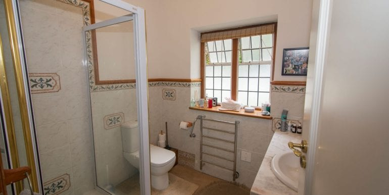 Bathroom 3444