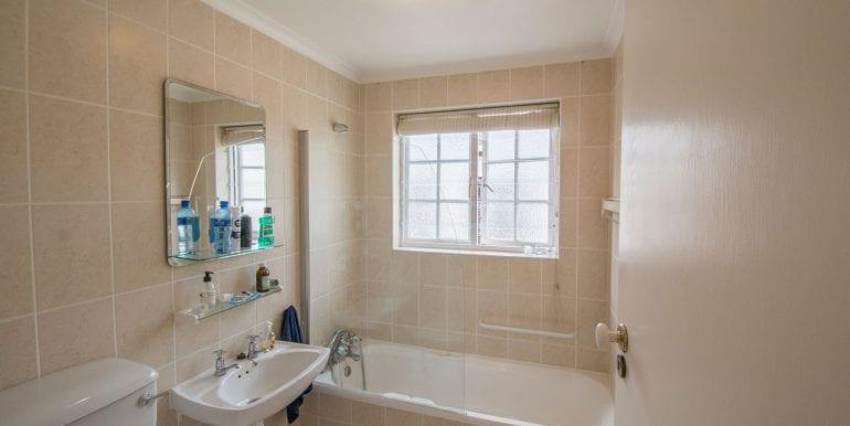 Bathroom 5976