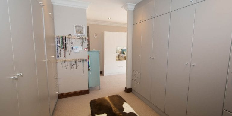 9805 Dressing room