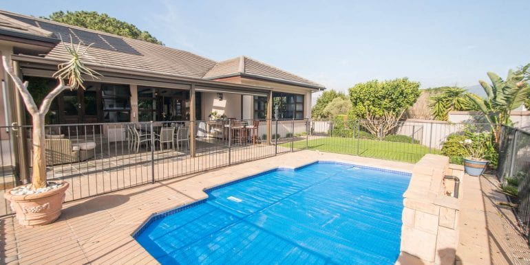 POOL AND PATIO 0114