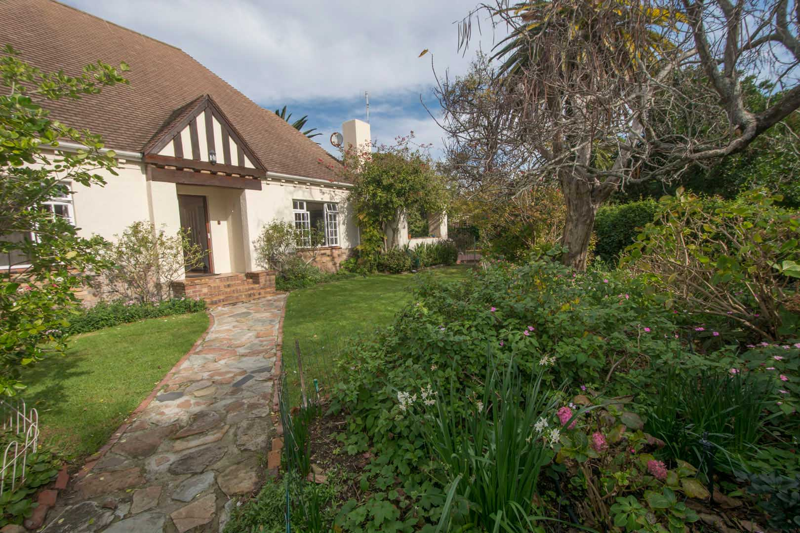 Wonderful Family home in sought-after cul-de-sac