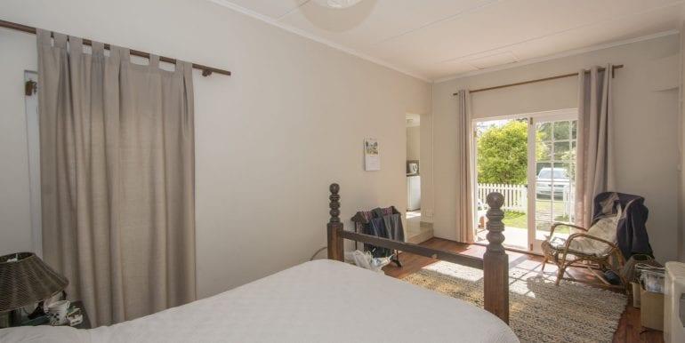 l Cottage Bedroom 8675