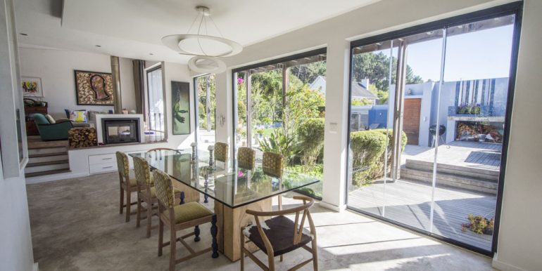 3V SUNNY DINING TO LIVING AND PATIO