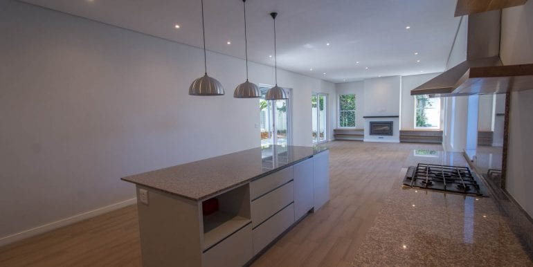 B7225 Kitchen to living