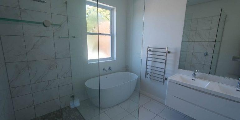 B7239 Bedroom one en suite