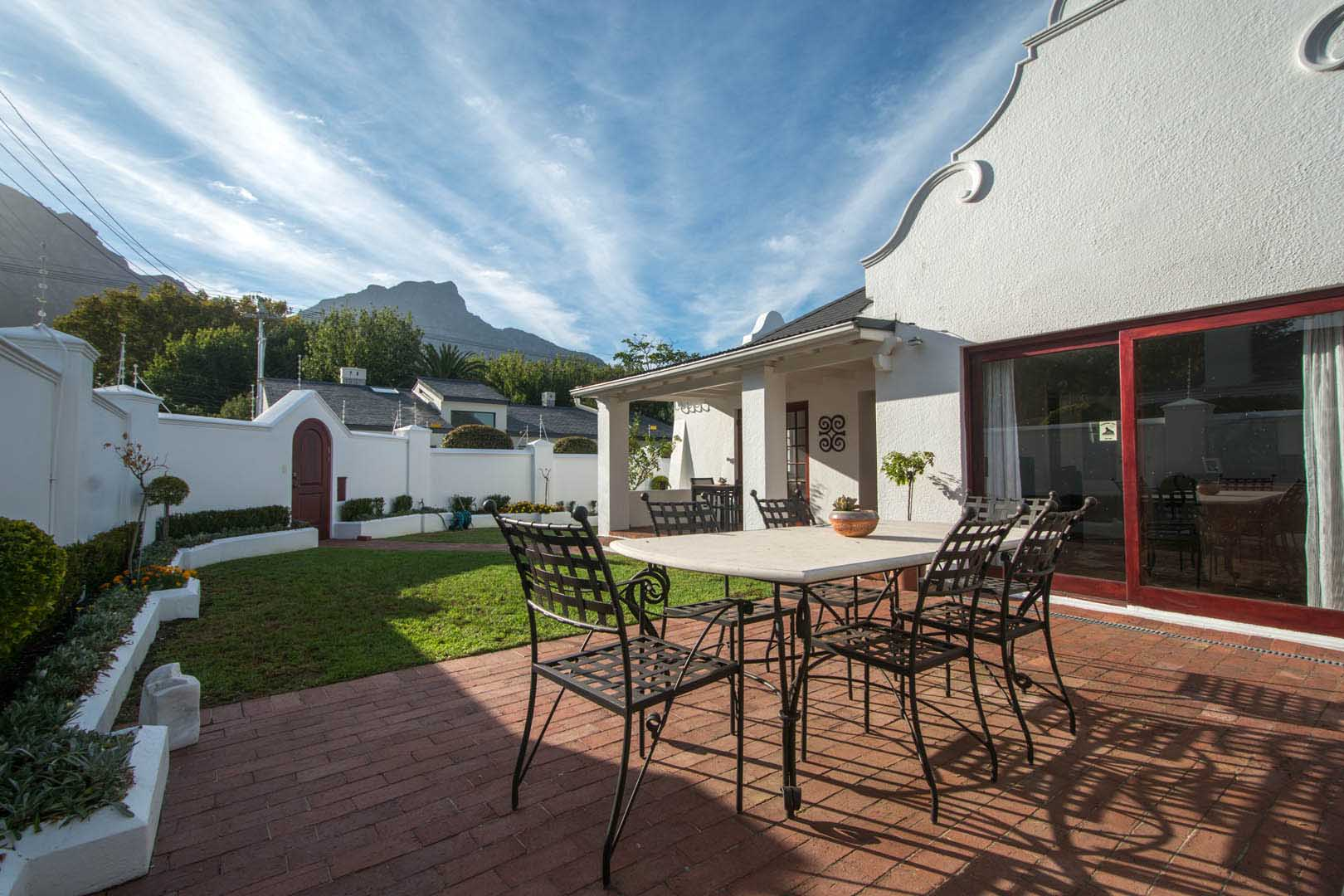 Furnished or unfurnished – adjacent to Vineyard Hotel