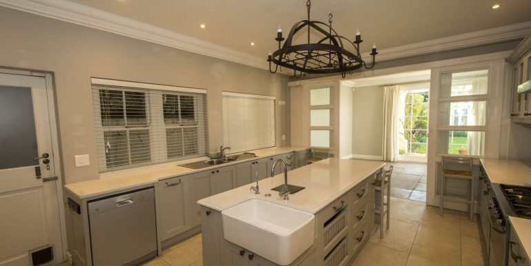 20A Valley- Kitchen to Dining