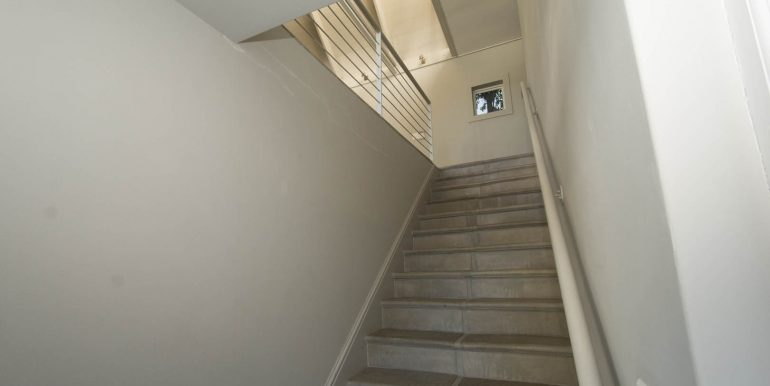 20A Valley- Stairway to dual living