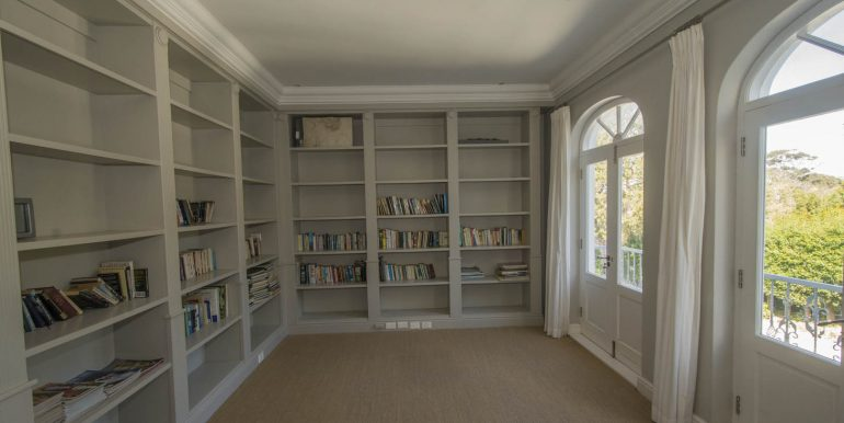 20A Valley- Upstairs library