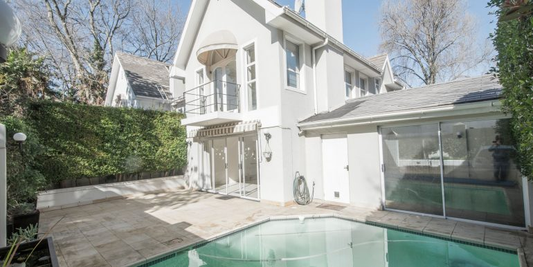 1 POOL TO HOUSE