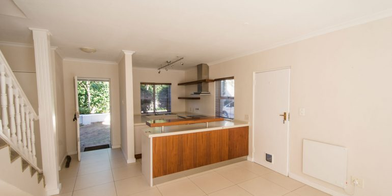 4 DINING TO KITCHEN