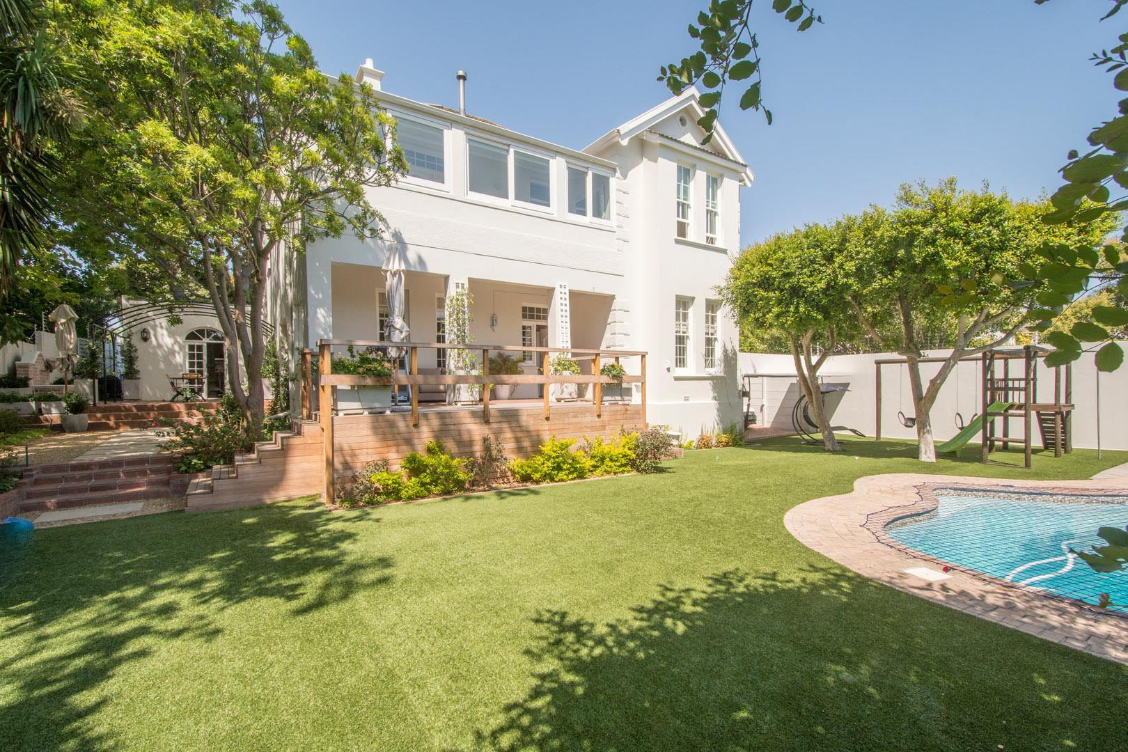 Elegant, simply stunning Victorian in immaculate condition