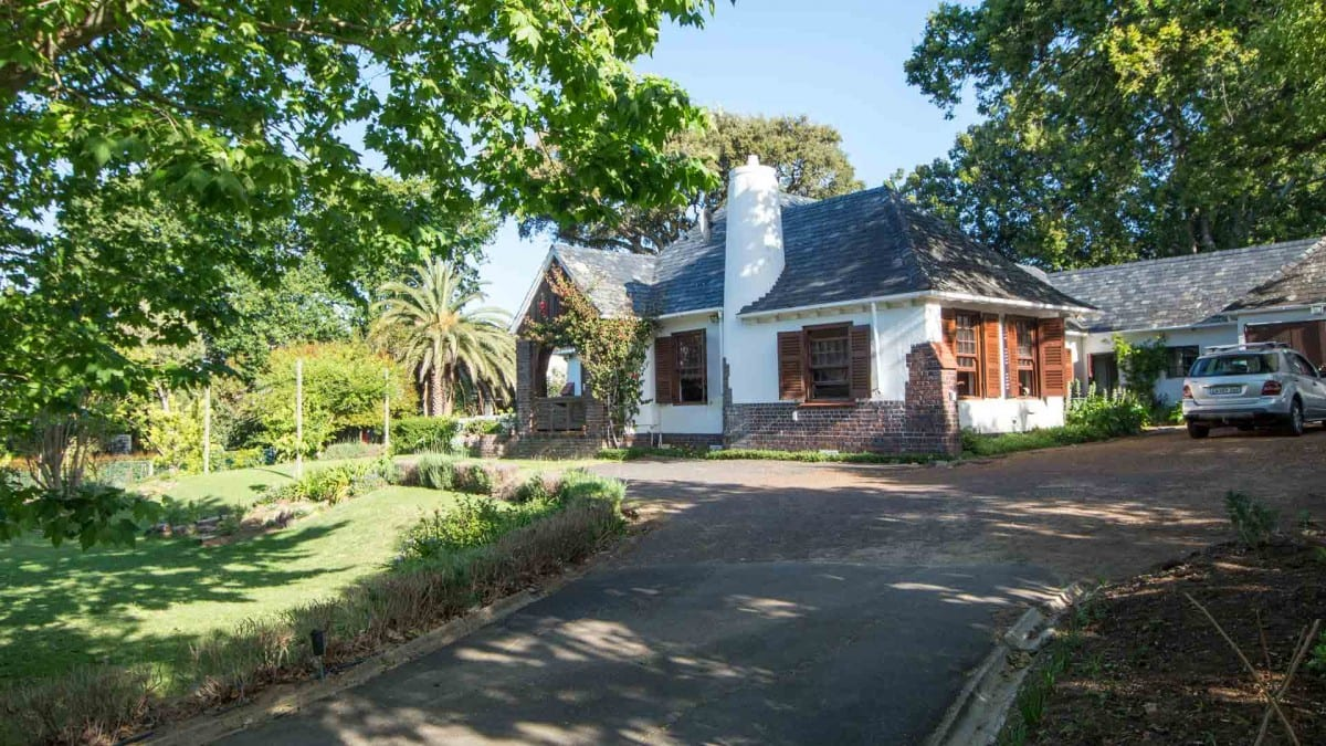 Students Welcome – Furnished home in amazing setting