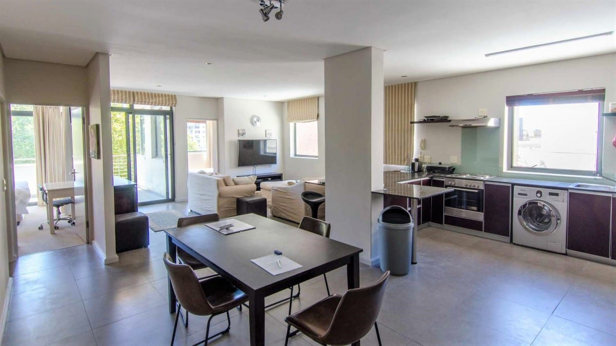 Stunning, 2 bedroomed furnished apartment – adjacent to Cavendish Centre